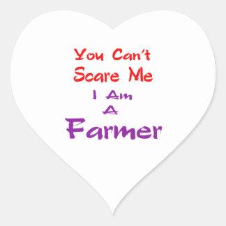 Usted no puede asustarme que soy granjero pegatina en forma de corazón