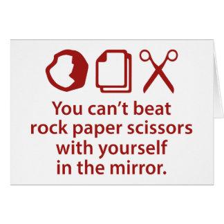 Usted no puede batir las tijeras de papel de la tarjeta de felicitación