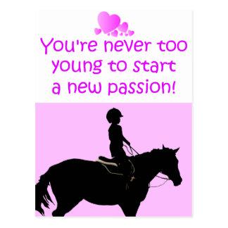 Usted nunca es caballo demasiado joven tarjeta postal