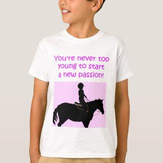 Usted nunca es caballo lindo demasiado joven playera