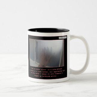 Usted nunca es solo taza de café de dos colores