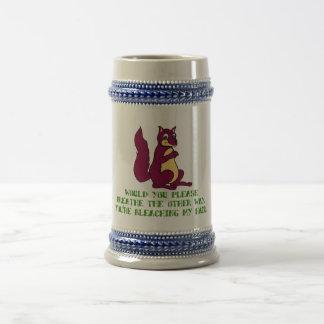 Usted por favor respiraría la otra manera… jarra de cerveza