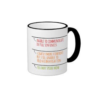 Usted puede ahora hablar asalta con las líneas del tazas de café