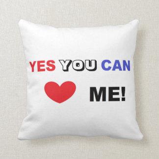 ¡Usted puede amarme sí! - Almohada de tiro 16' x Cojín Decorativo