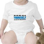 Usted puede confiar solamente en sí mismo traje de bebé