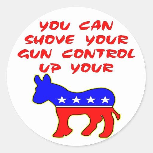 Usted puede empujar su control de armas encima de  etiquetas