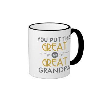 Usted puso el grande en gran abuelo taza de dos colores
