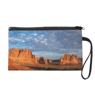 Utah, Arches National Park, rock formations 2 Wristlet Purse