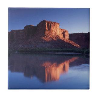 Utah, mesa de A que refleja en el río Colorado 2 Azulejo Cuadrado Pequeño