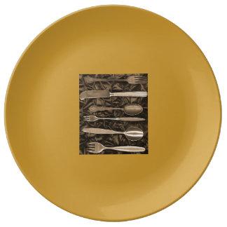 Utensils Plate