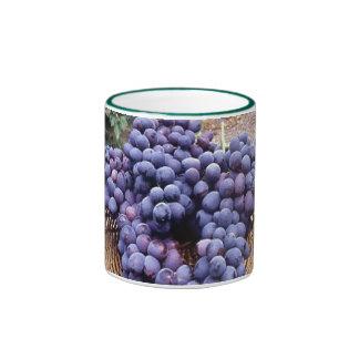 Uvas de la púrpura real taza a dos colores