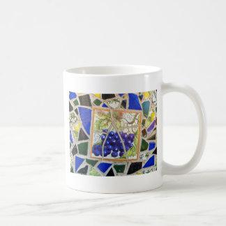 Uvas del mosaico taza clásica