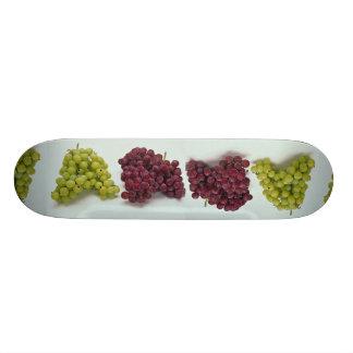 Uvas en diversos colores patineta personalizada