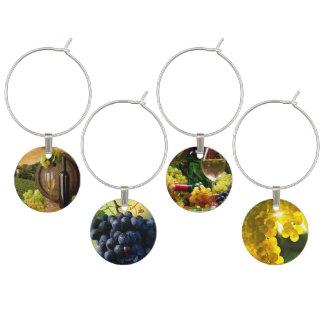uvas en el vino identificador de copa