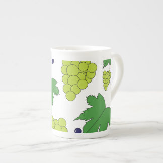 Uvas - púrpura y verde taza de porcelana