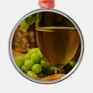 Uvas y jugo adorno redondo plateado