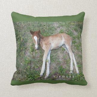 V I E Q U E S wildpony Throw Pillow