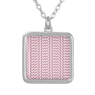 V y zigzag amplio simple de H - cordón rosado y Pu Colgantes