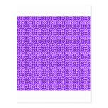 V y zigzag de H - cardo y violeta Postal