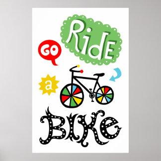 Va el paseo una bici - monte en bicicleta la impre póster