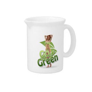 Va la belleza verde del chica jarrones
