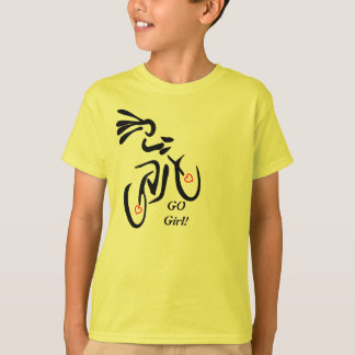 Va la camiseta de la bici del chica