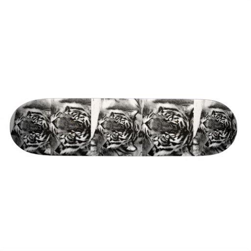"Va Tiger_Skateboard_by Elenne Boothe Patineta 7 3/8"""
