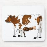 Vaca de la madre con el becerro alfombrilla de ratones