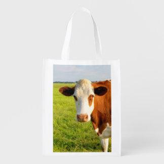 Vaca del frisio de la vista delantera bolsa para la compra
