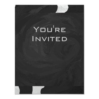 """Vaca del monograma blanco y negro invitación 4.25"""" x 5.5"""""""