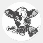 Vaca del MOO por los estudios de Mudge Etiquetas Redondas