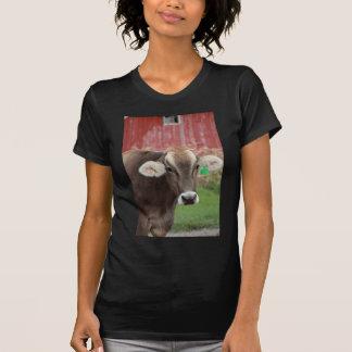 Vaca del suizo de Brown Camiseta