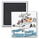 vaca divertida del dibujo animado de junio del mes iman