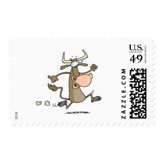 vaca divertida del dibujo animado en el moove del