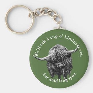 Vaca escocesa de la montaña. Lang viejo Syne. Llavero Redondo Tipo Chapa