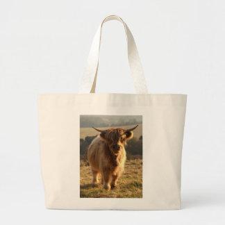 Vaca joven de la montaña bolsa tela grande