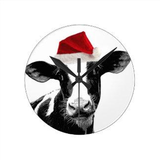 Vaca lechera del gorra de Santa Reloj Redondo Mediano