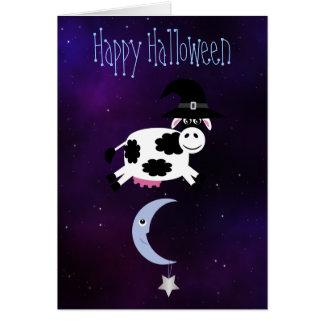 Vaca linda saltada sobre la luna Halloween Felicitaciones