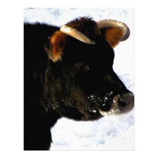 Vaca negra con los cuernos membretes personalizados