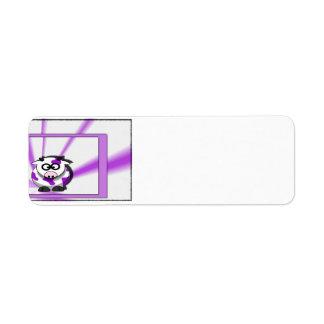 Vaca púrpura en fondo púrpura enrrollado etiquetas de remite