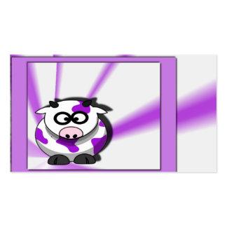 Vaca púrpura en fondo púrpura enrrollado tarjetas personales