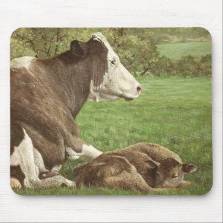 vaca y becerro en campo alfombrillas de ratones