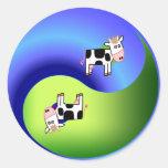 Vaca Yin Yang Pegatinas Redondas