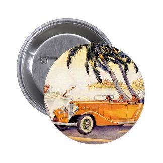 Vacaciones de familia del vintage en un coche pin redondo de 2 pulgadas