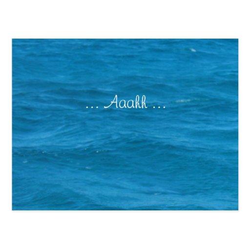 Vacaciones del agua azul relajadas tarjeta postal