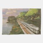 Vacaciones del vintage en tren, locomotora en país toallas