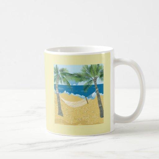 Vacaciones tropicales de la hamaca de la playa del taza clásica
