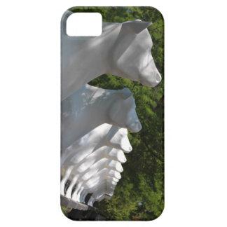 Vacas blancas grandes de Kopps en una fila Wiscons iPhone 5 Case-Mate Cobertura