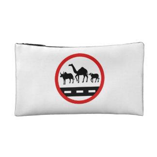Vacas, camellos y ovejas amonestadores, muestra,