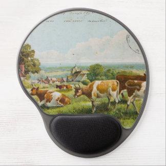 Vacas del vintage en una postal del campo alfombrillas de ratón con gel